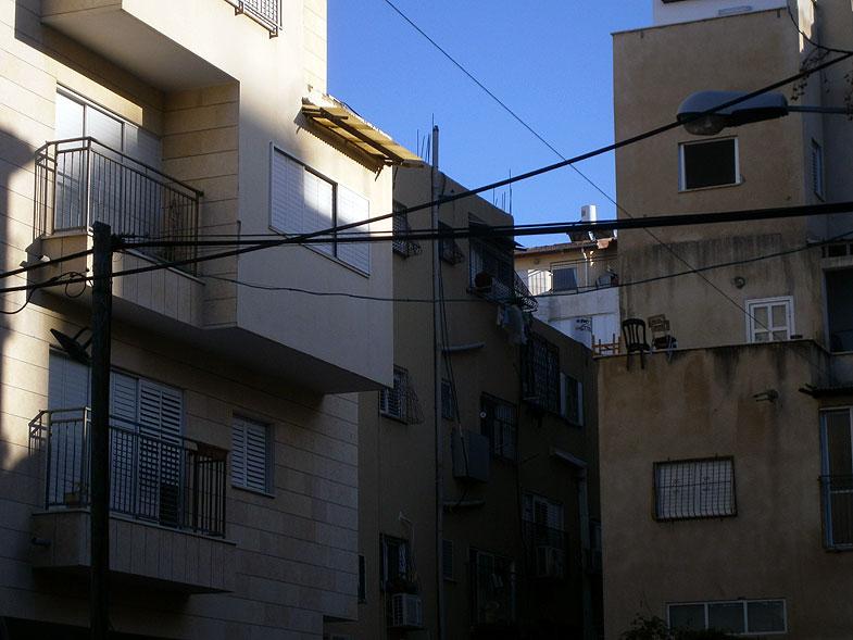 Bnei Brak before the onset of Shabbat