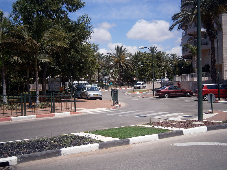 Kiryat Bialik, Кирьят-Бялик. Photo:  Netzah.org (c)