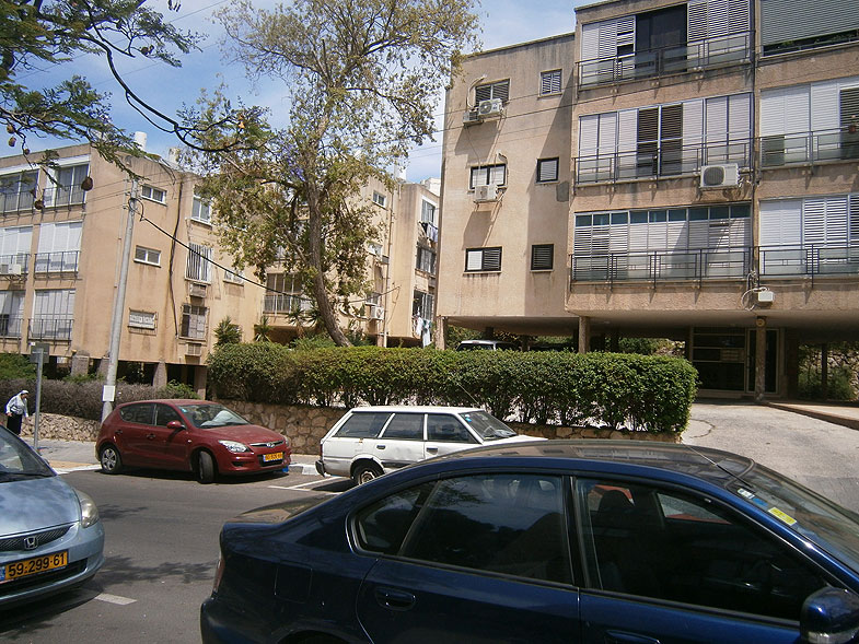Givitayim, Гиватаим. Photo:  Netzah.org (c)