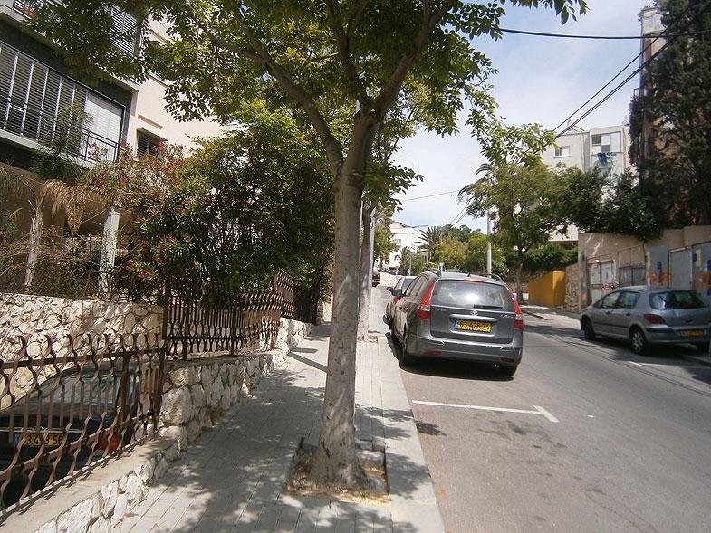 Givatayim. Jabotinsky street