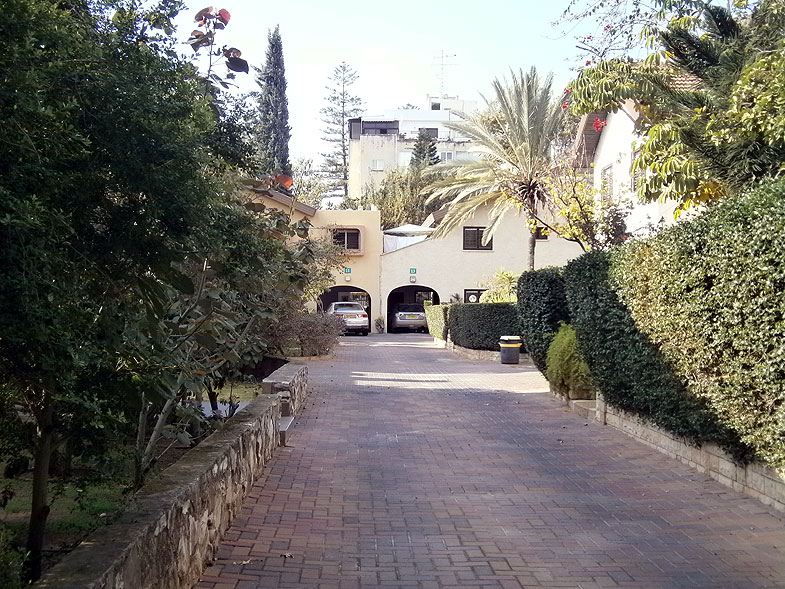 Kfar Saba, Кфар-Саба. Photo:  Netzah.org (c)