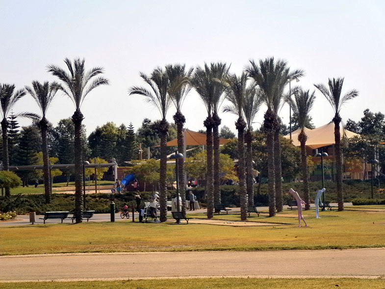Kfar Saba, Кфар-Саба. Photo:  Netzah.org (c)