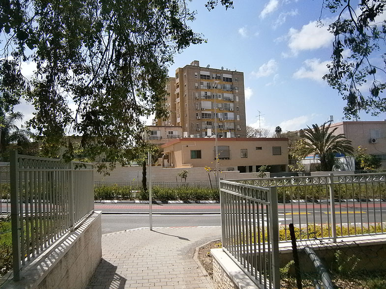 Kiryat Ata, Кирьят-Ата. Photo:  Netzah.org (c)