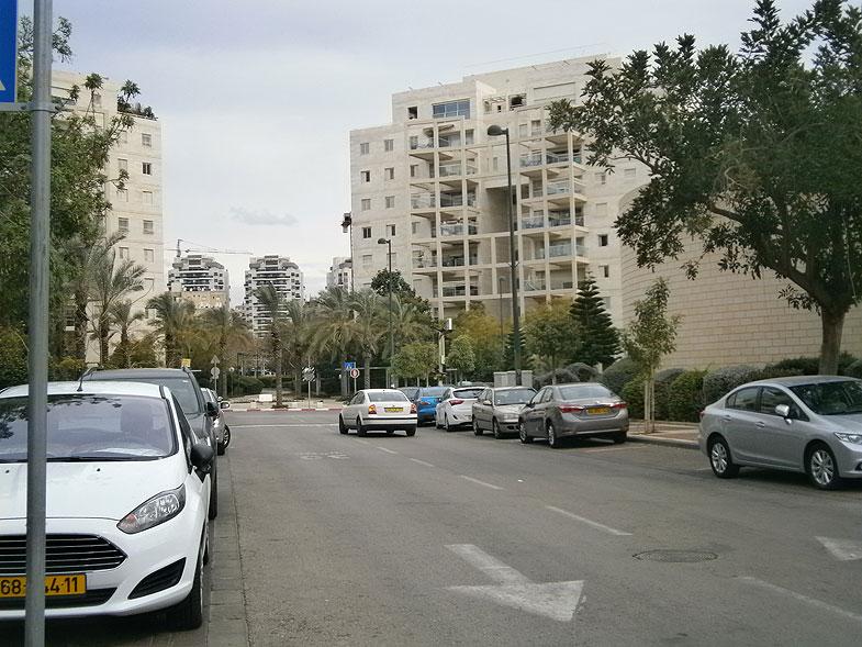 Кирьят-Оно. Улица Бен-Йегуда