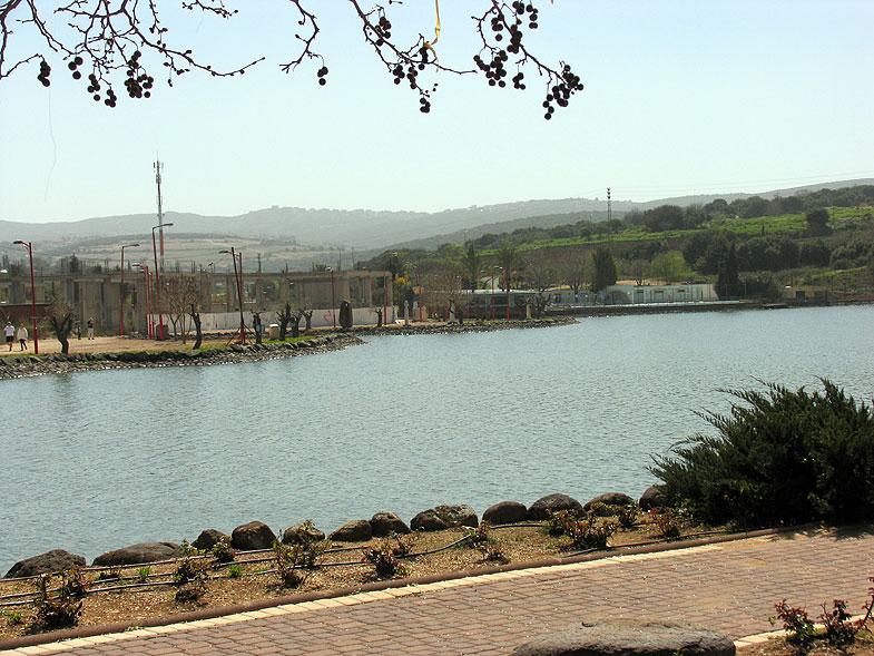 Maalot-Tarshiha, ������-�������. Photo:  Netzah.org (c)