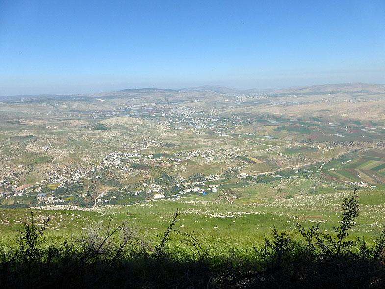 Вид из поселения Элон-Море