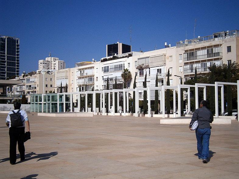 Тель-Авив. Новое здание Габимы