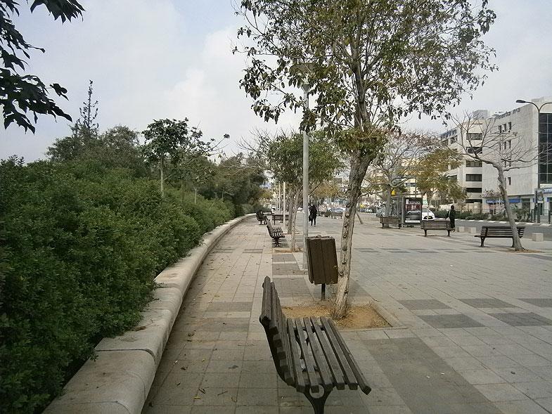 Tel Aviv. Yigal Alon street