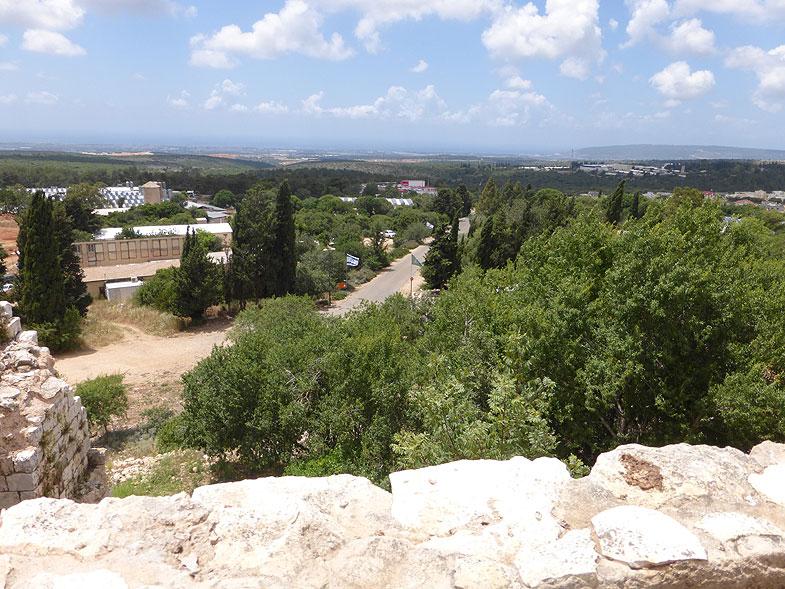 Вид со стен крепости Йехиам